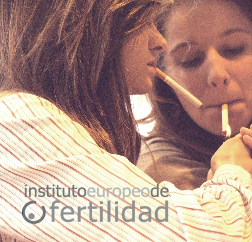 instituto-europeo-de-fertilidad-mujeres-fumando.jpg